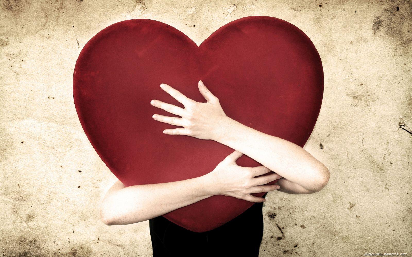 Yêu anh theo cách của riêng em là chỉ cần anh biết, trái tim em hiểu và tâm hồn em vui